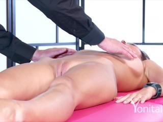 Yonitale: beautiful orgasm of hot Paula Shy